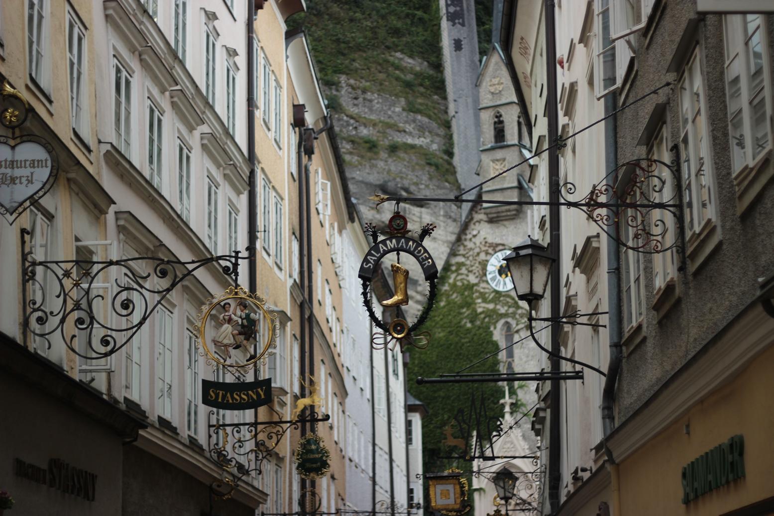salzburg-getreidegasse-austria-travel-blog