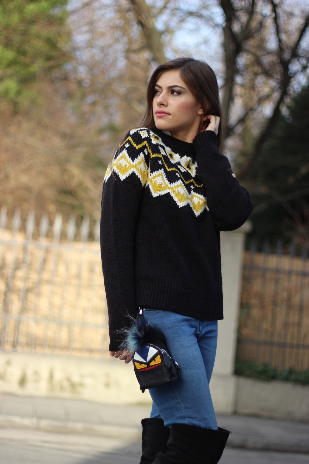 asos-sweater-streetstyle-germany-europe-fendi-bagcharm-bagpack-blog