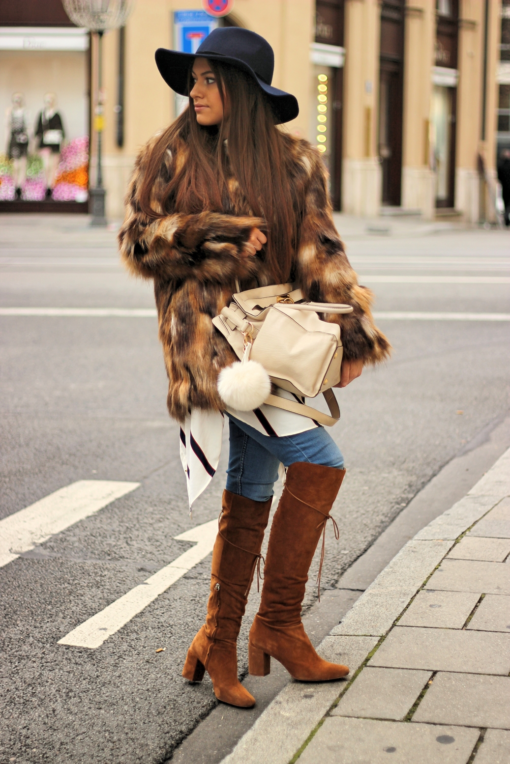 streetstyle-germany-fashion-blog-zara-fur-hat