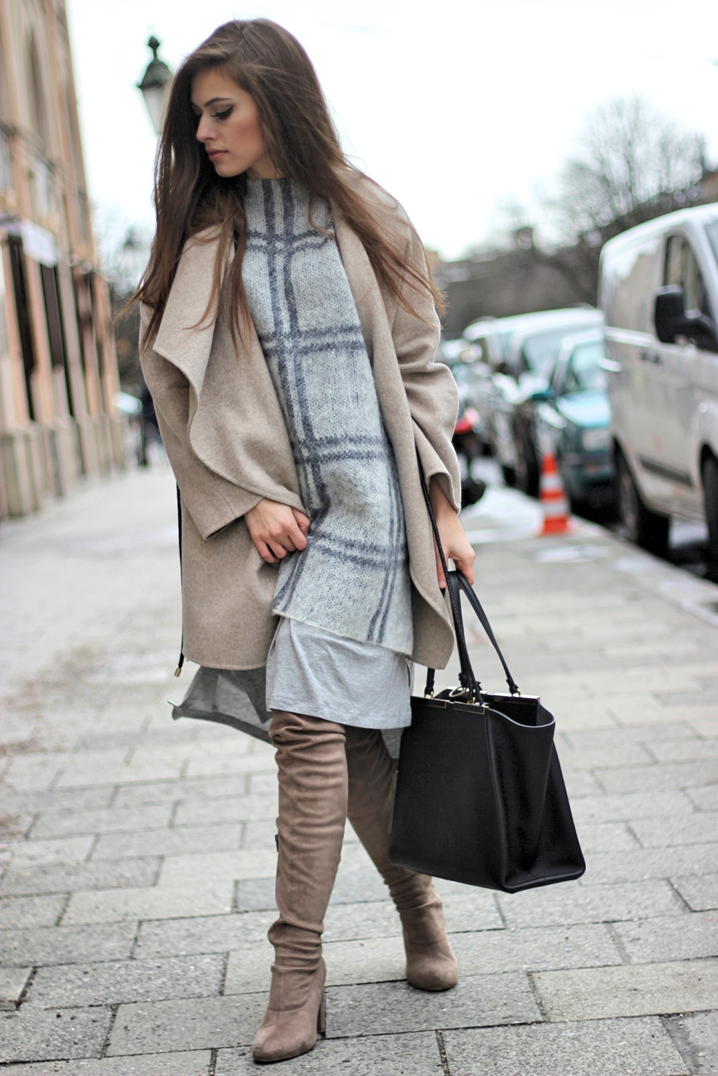 zara-street-style-blog-coat-overknee-boots-asos-fendi-bag-european-fashion