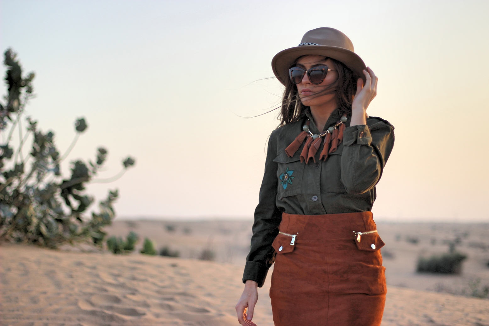 desert-dubai-safari-outfit-travel-look