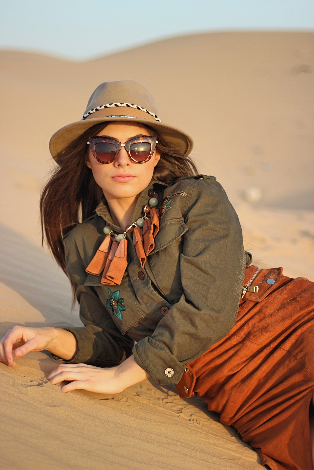 dubai-travel-desert-outfit-photoshoot (2)