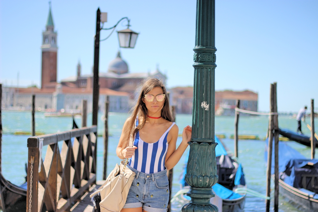 Venice Streetstyle w/ Striped Body and Destroyed Shorts