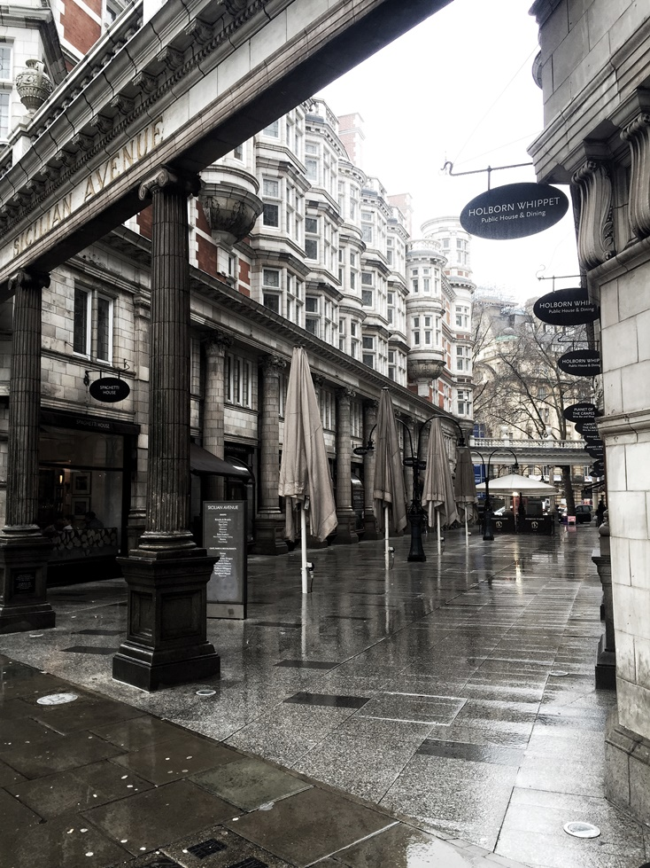 London Travel Guide - Holborn