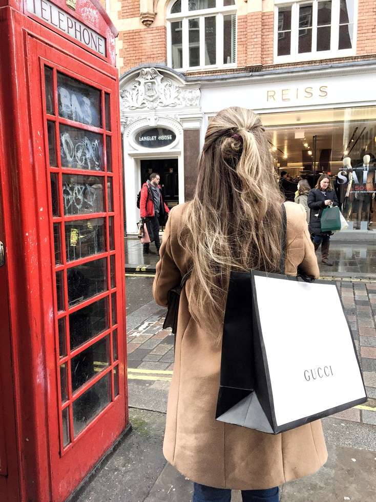 London Travel Guide - Shopping at Covent Garden